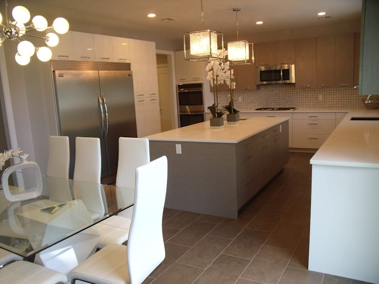 New Coastal Kitchen:  Kitchen by Kitchen Krafter Design/Remodel Showroom