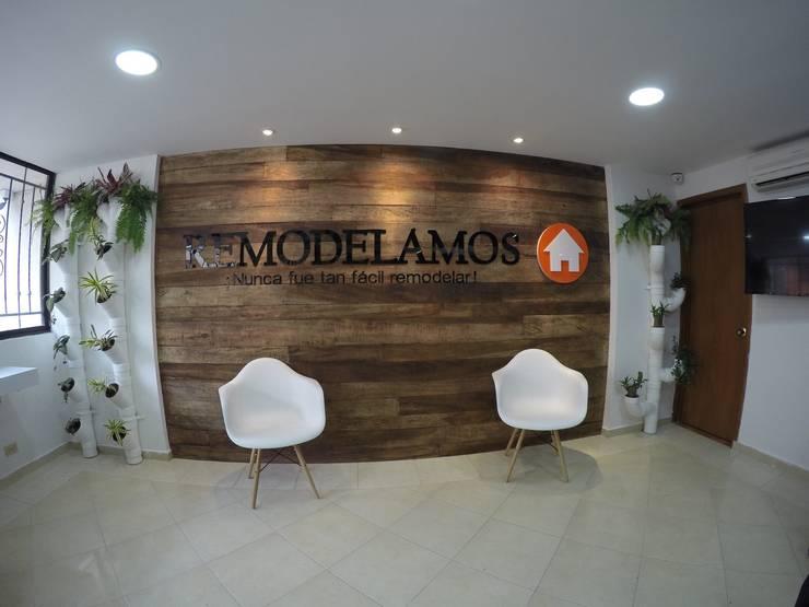 Oficina Remodelamos.casa: Edificios de oficinas de estilo  por Remodelamos.casa