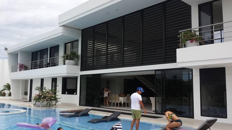 """Casa Campestre """"El Peñon"""" Girardot/Tel:3125831655: Casas de estilo minimalista por Construcciones Cubicar S.A.S"""