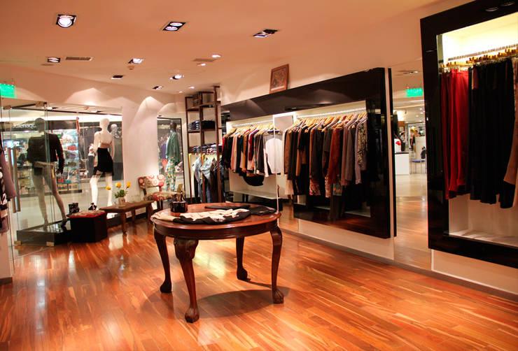 Tips e ideas para interior de local comercial: Oficinas y locales comerciales de estilo  por Hornero Arquitectura y Diseño