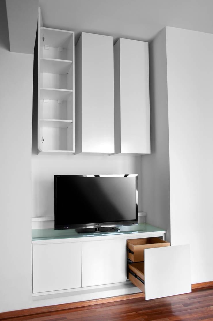 Interior mobiliario: Livings de estilo  por Espacio Gaddi,