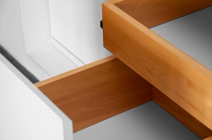 Interior de cajones: Livings de estilo  por Espacio Gaddi,