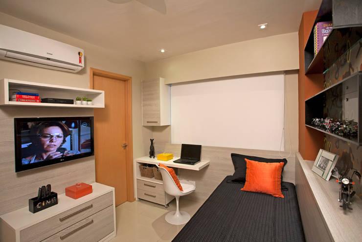 Dormitorios de estilo  por Deise Maturana arquitetura + interiores