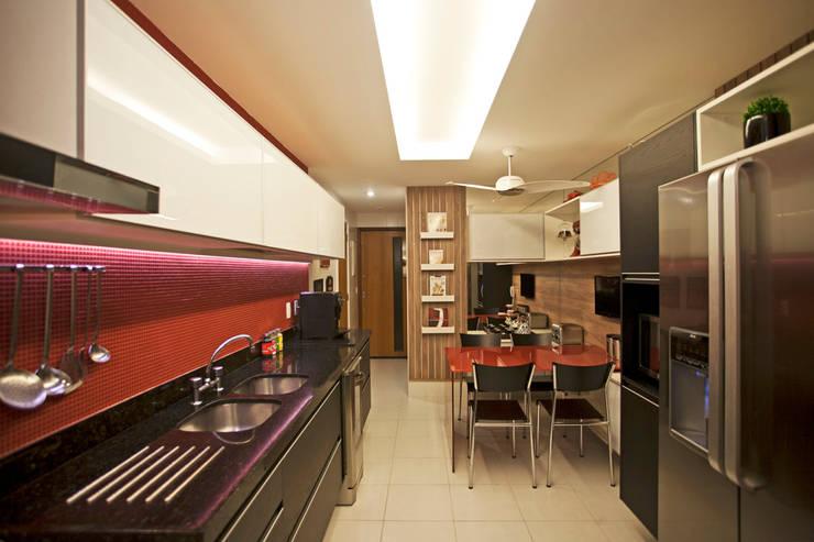 Projekty,  Kuchnia zaprojektowane przez Deise Maturana arquitetura + interiores