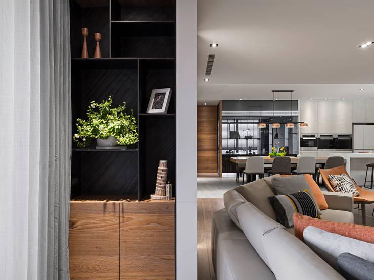 Living room by 拾葉 建築室內設計