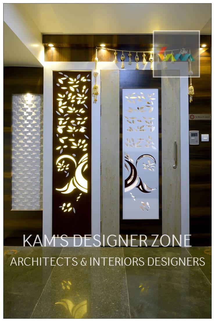 Door Design:  Houses by KAM'S DESIGNER ZONE