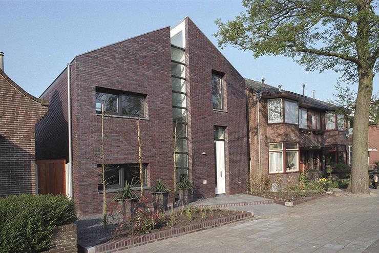 straatgevel:  Huizen door Studio Blanca, Modern Steen