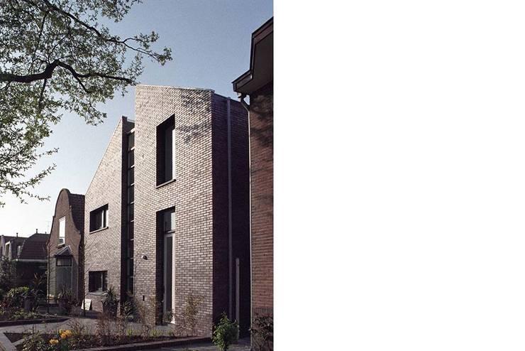 straatgevel:  Huizen door Studio Blanca, Modern