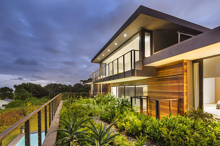 House Umhlanga:  Gym by Ferguson Architects, Modern