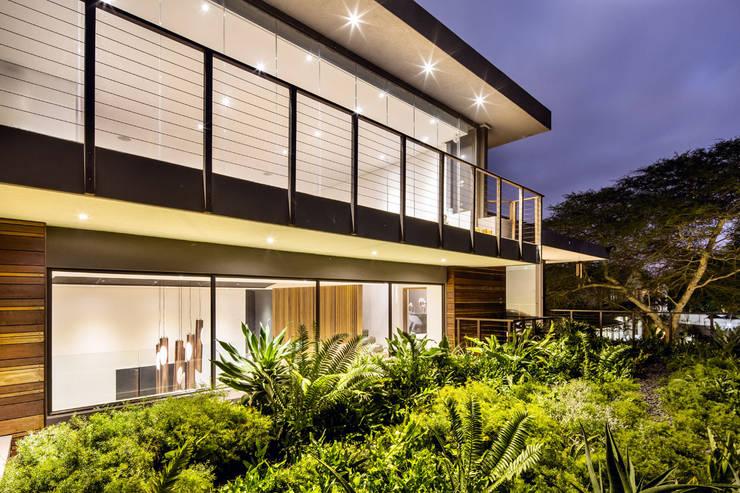 House Umhlanga:  Houses by Ferguson Architects