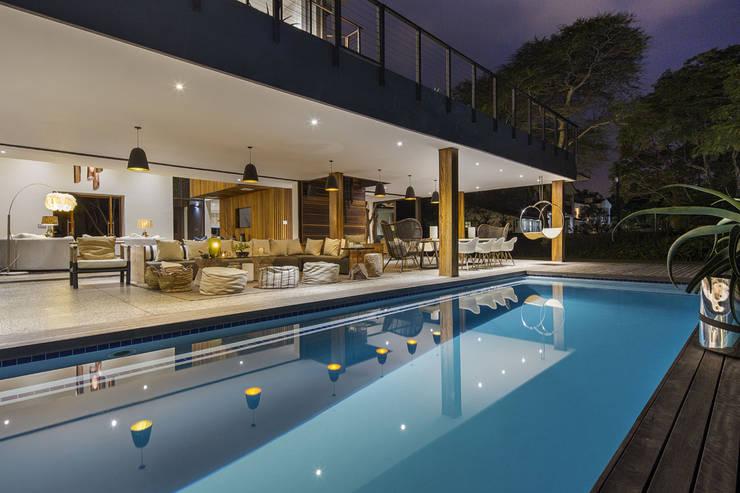 House Umhlanga:  Patios by Ferguson Architects