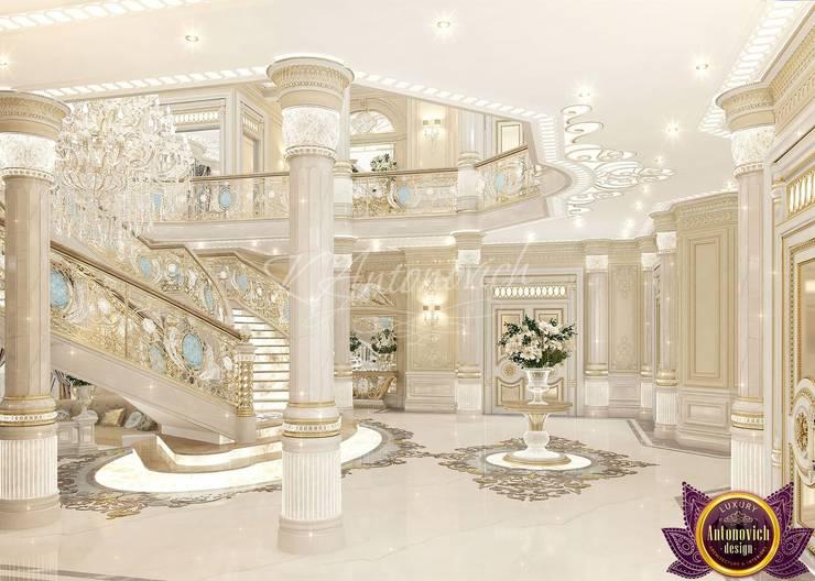   Perfect interior design of Katrina Antonovich:  Corridor & hallway by Luxury Antonovich Design
