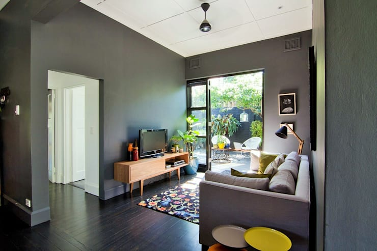 Projekty,  Pokój multimedialny zaprojektowane przez Ferguson Architects