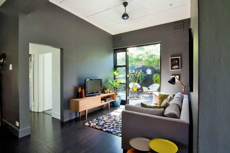 House Morningside:  Media room by Ferguson Architects