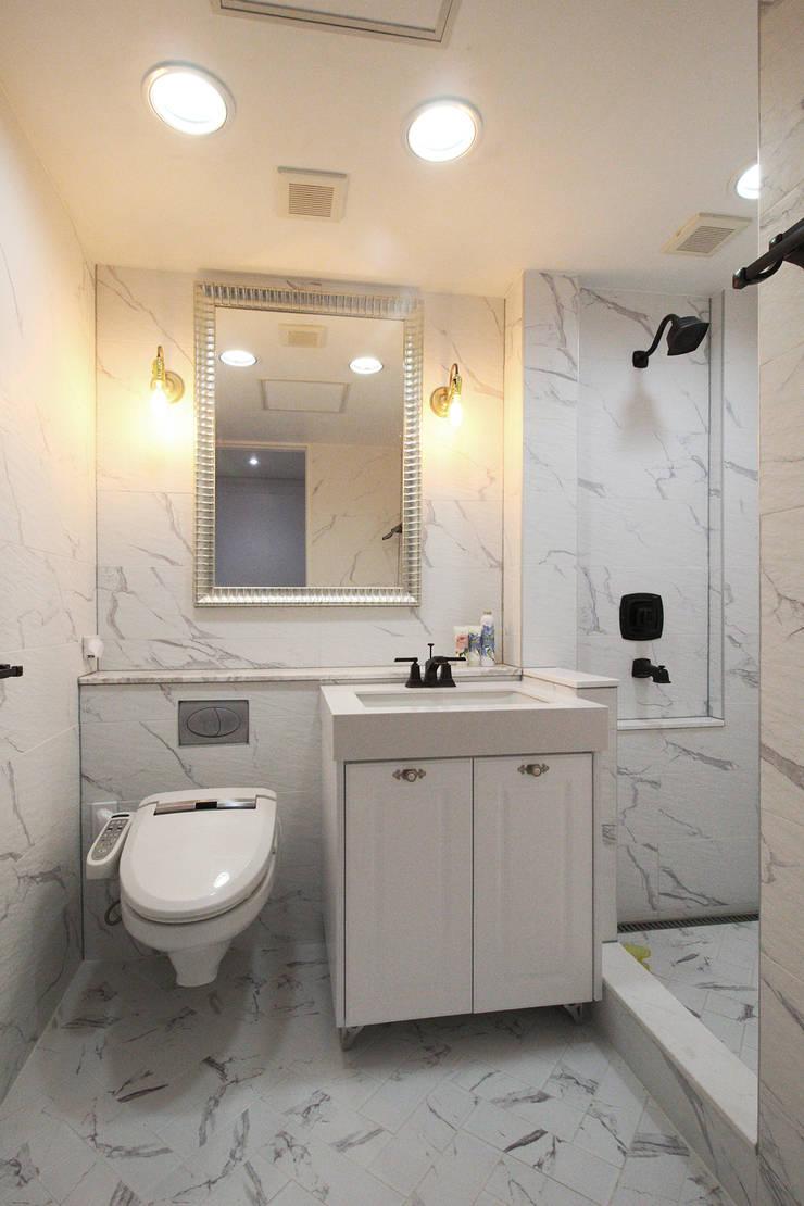 부산광역시 해운대구 우동 더샵 센텀스타 아파트 인테리어: 까사델오키드의  욕실