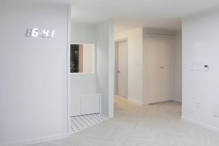 그린빌 13단지 21PY: 비브라운 디자인 의  다이닝 룸