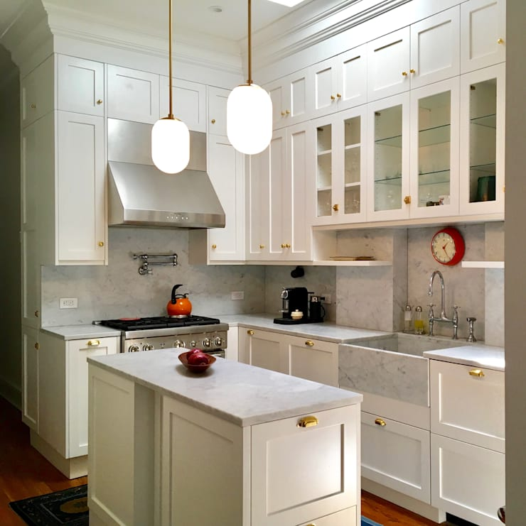 Brooklyn Brownstone Duplex: classic Kitchen by Lorraine Bonaventura Architect