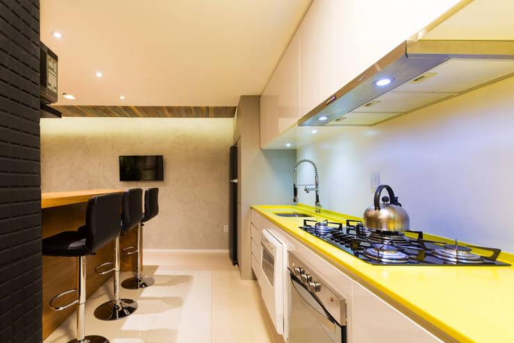 Projekty,  Kuchnia zaprojektowane przez JDB Arquitetura + Design