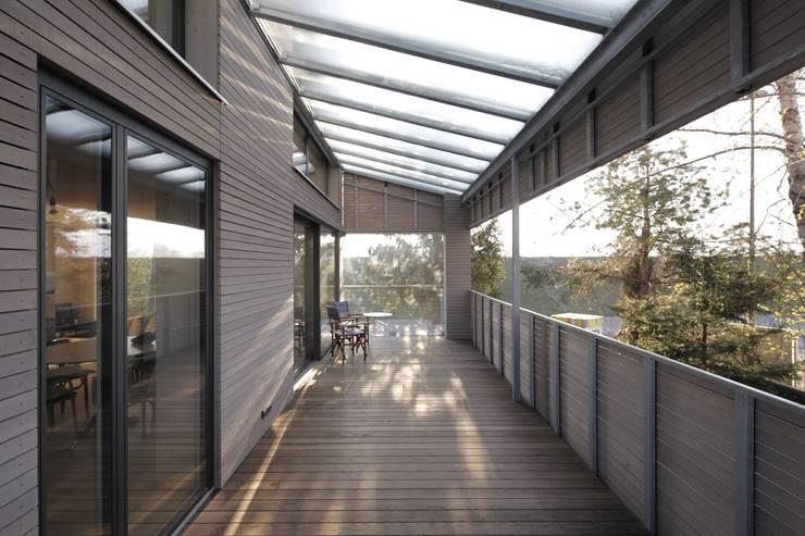 Terrace by ARCHITEKTEN GECKELER, Modern Wood Wood effect