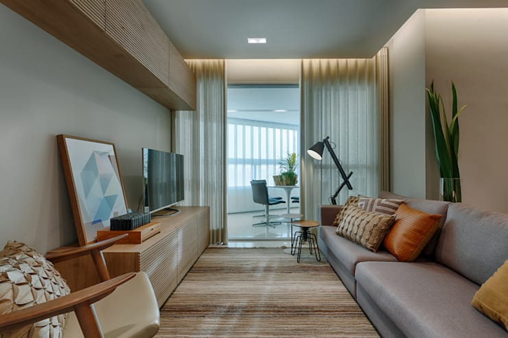 Sala De Estar com Varanda : Salas de estar  por Renata Basques Arquitetura e Design de Interiores