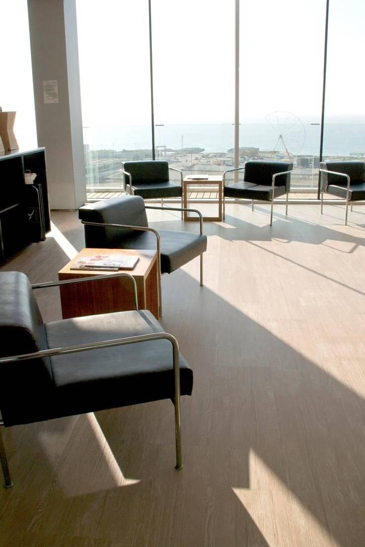 Proyecto Hotelería, Barcelona, España (AC HOTELS BARCELONA FORUM): Hoteles de estilo  por Floover Latam