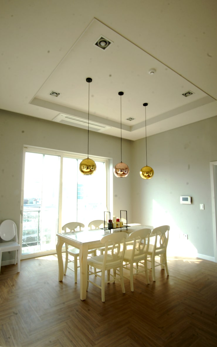 Dinning Room: 라움플랜 건축사사무소의  다이닝 룸