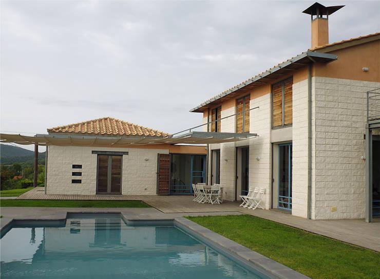 modern Houses by Studio Crachi