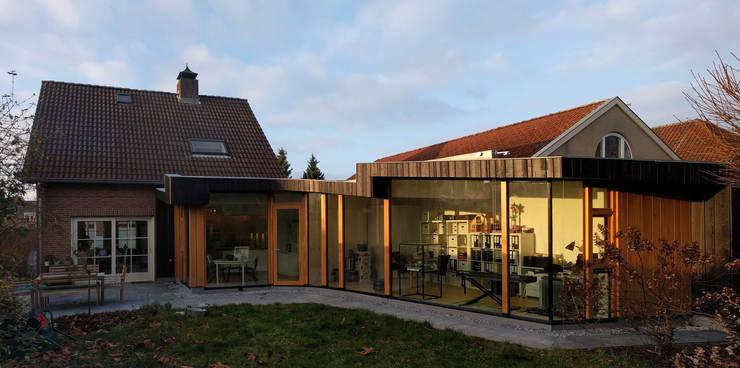 Vleugelhuis:  Huizen door Marks - van Ham architectuur, Modern