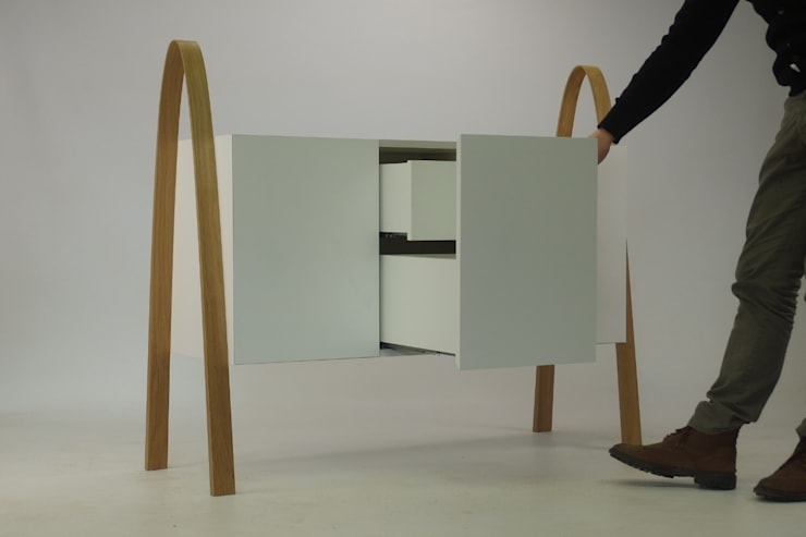 minimalist  by Studio Bekkers, Minimalist Solid Wood Multicolored