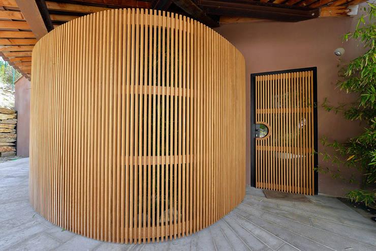 الممر والمدخل تنفيذ Atelier Jean GOUZY