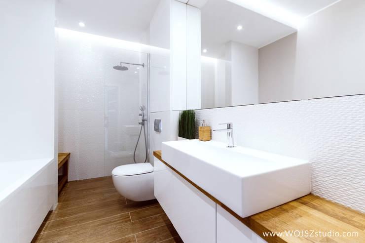 Bathroom by WOJSZ studio