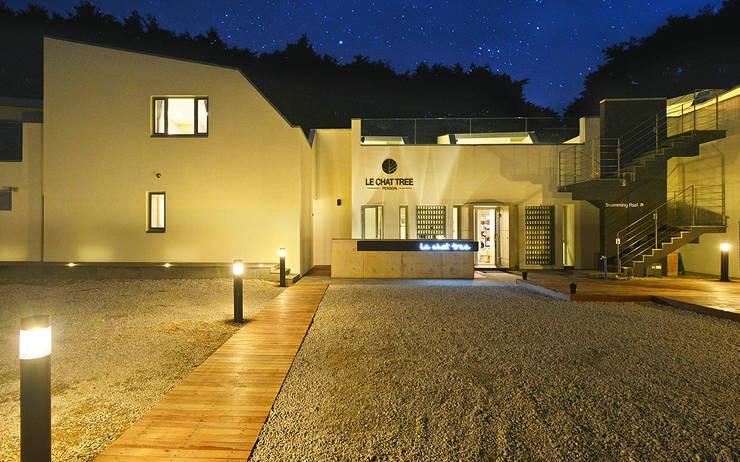 르샤트리: 건축사사무소 어코드 URCODE ARCHITECTURE의  주택