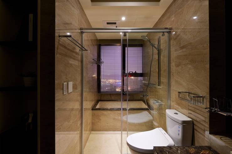 內斂奢華 經典住宅:  浴室 by 舍子美學設計有限公司