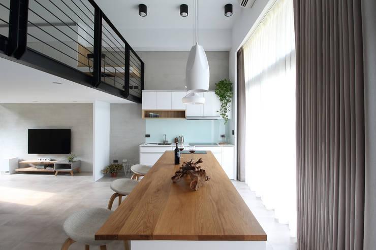 Kitchen by 樂沐室內設計有限公司,