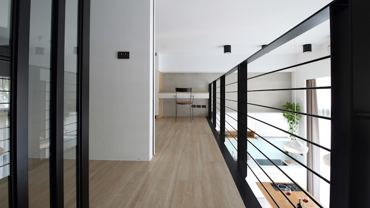 Corridor & hallway by 樂沐室內設計有限公司,