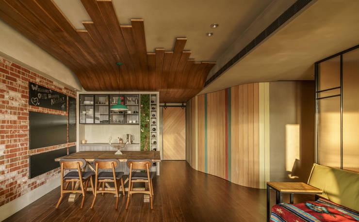 Salle à manger de style  par 樂沐室內設計有限公司