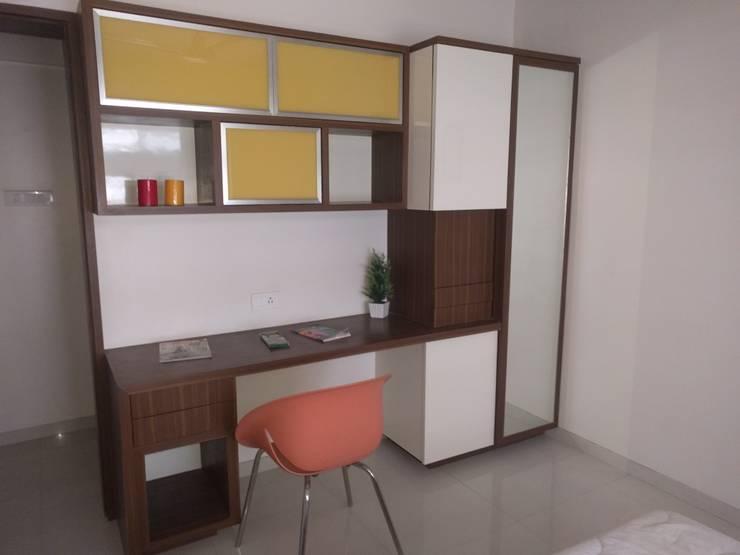 Interior:  Study/office by Dusnaam designs