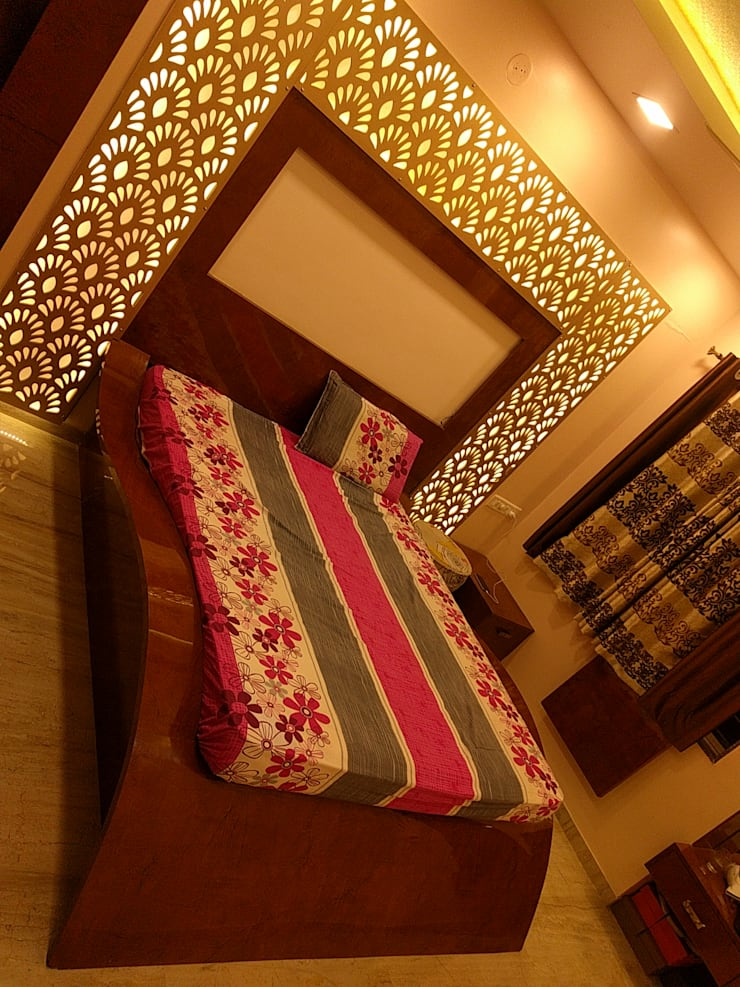 Interior:  Bedroom by Dusnaam designs