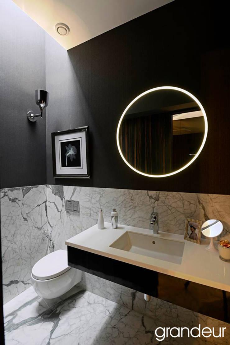Villas:  Bathroom by Grandeur Interiors