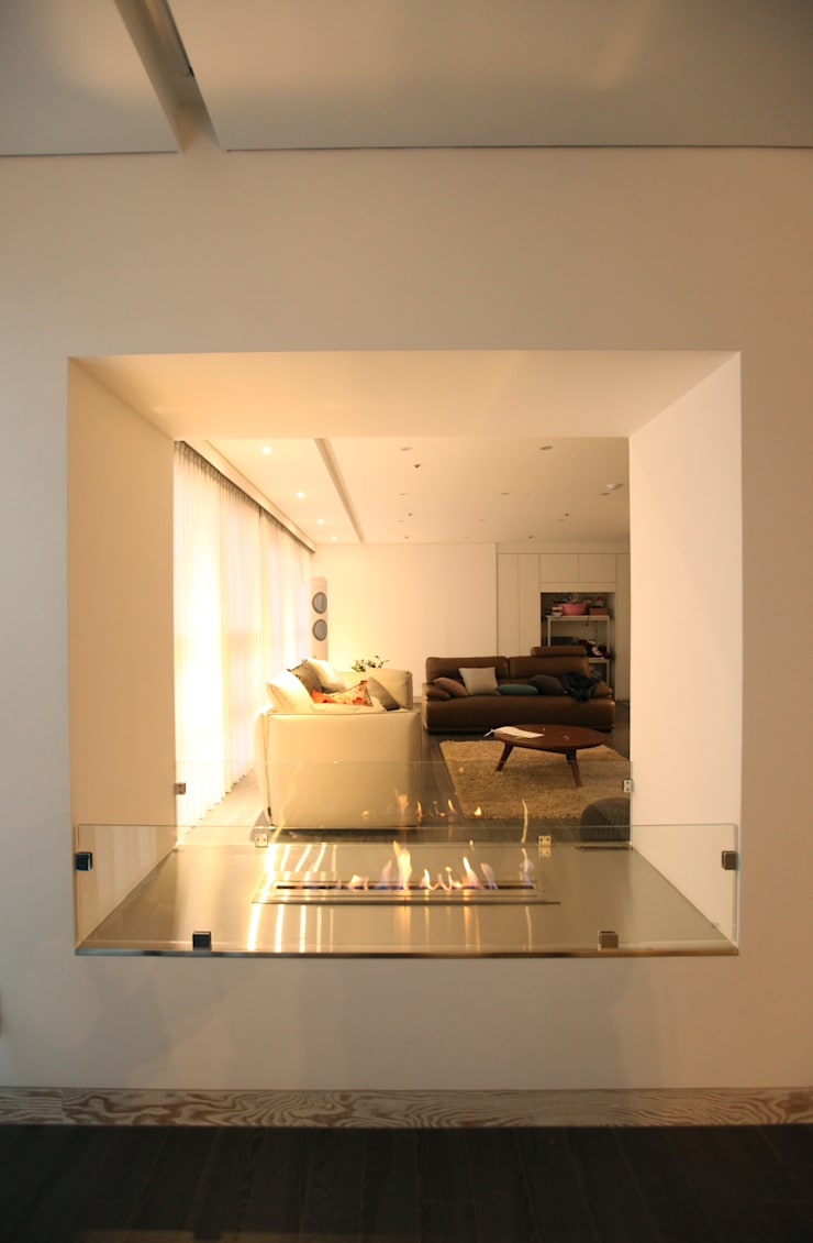 DONGBAEK HOUSING 주거 전체 리모델링 : atelierBASEMENT의  베란다,모던