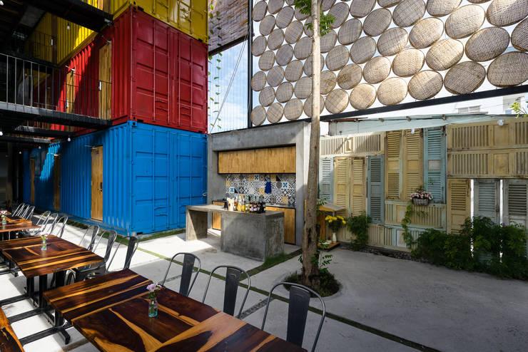 Khách sạn by TAK Architects