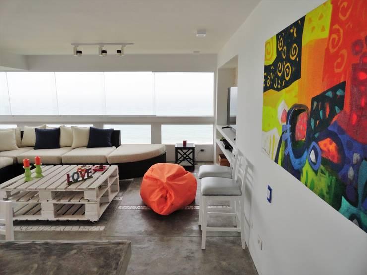 Salas / recibidores de estilo minimalista por homify