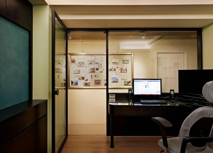 停留在最愛的時刻。林口李公館:  書房/辦公室 by 舍子美學設計有限公司