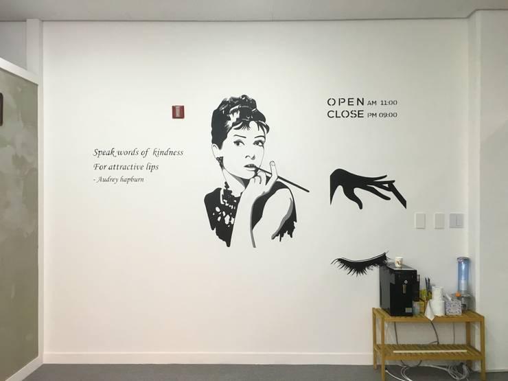 Nail shop 네일아트 벽화: 트랜디아트의  상업 공간,