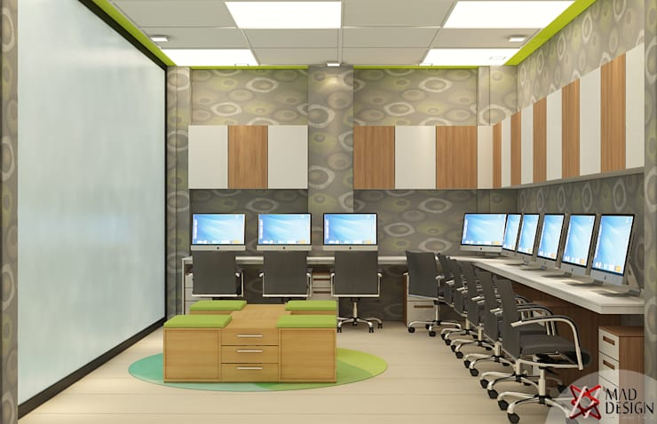 KANWAR ENTERPRISE OFFICE PROJECT BY MAD DESIGN:  Offices & stores by MAD DESIGN