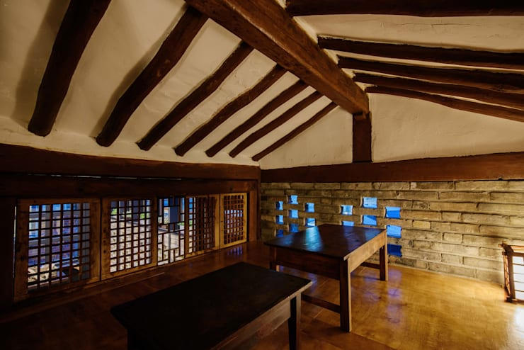 CRAFT ROO 크래프트 루 : 쿠나도시건축연구소의  거실,모던