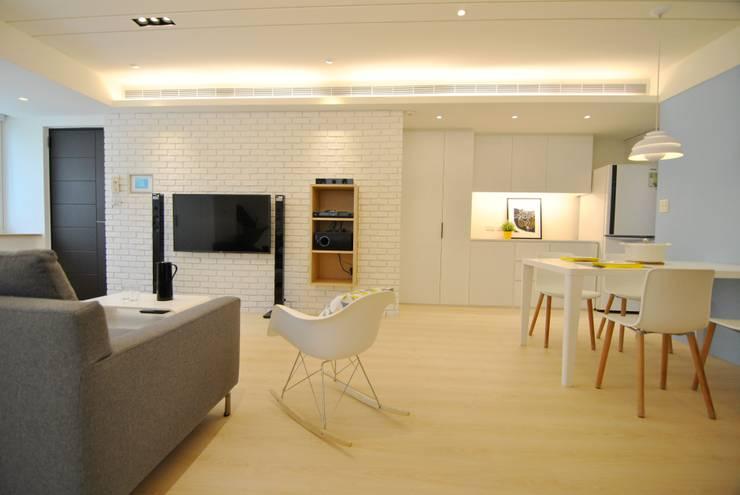 Salones de estilo  de 釩星空間設計