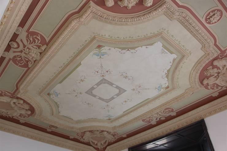 Soffitto restaurato di colori nel tempo decorazioni - Decorazioni soffitto ...