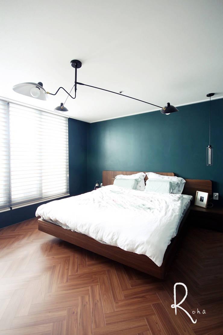 ห้องนอน โดย 로하디자인, คันทรี่