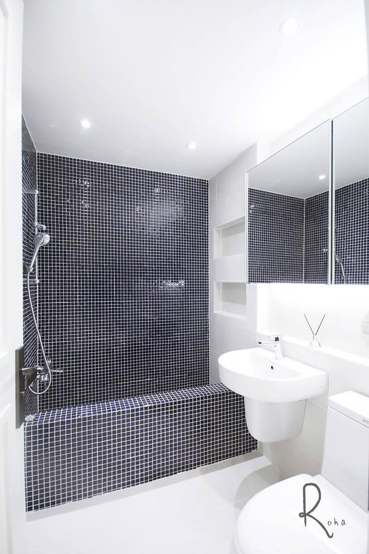 Mediterranean style bathroom by 로하디자인 Mediterranean